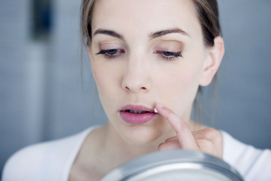 """Герпес: можно ли вылечить простуду на губах и… """"там"""""""