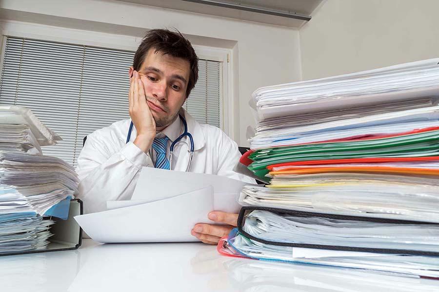 Медицинские учреждения освободят от бумажного документооборота