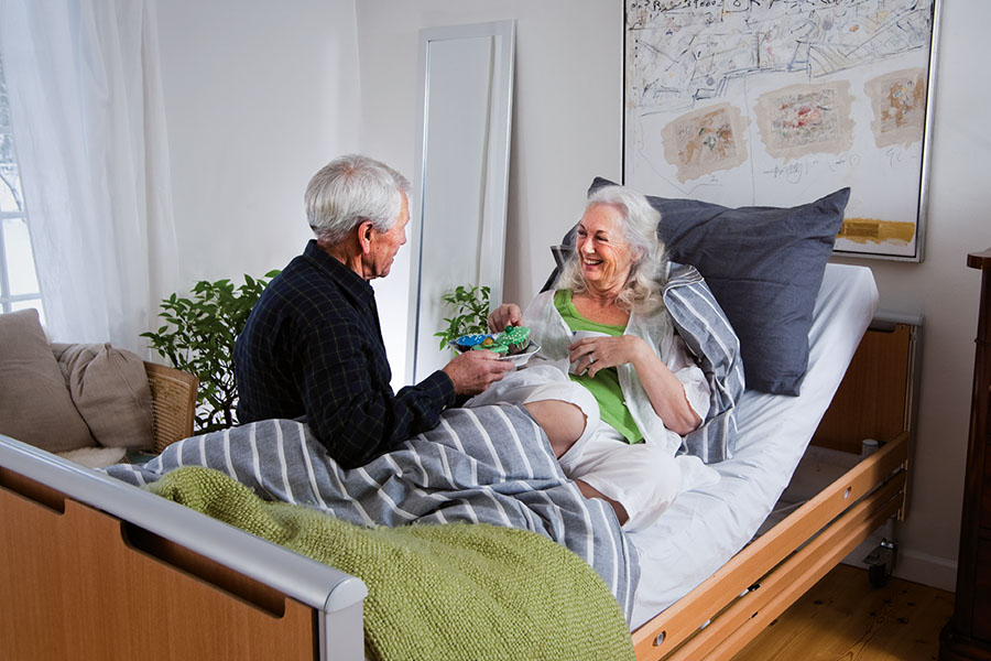 Какие медицинские изделия должны выдавать тяжелым больным