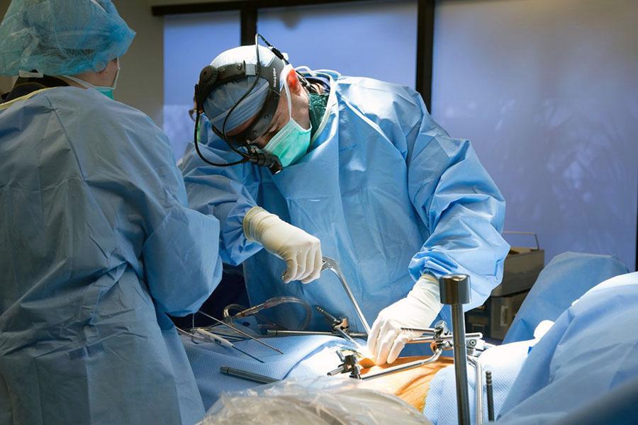Уникальная операция в России: прооперирован больной с III стадией рака печени