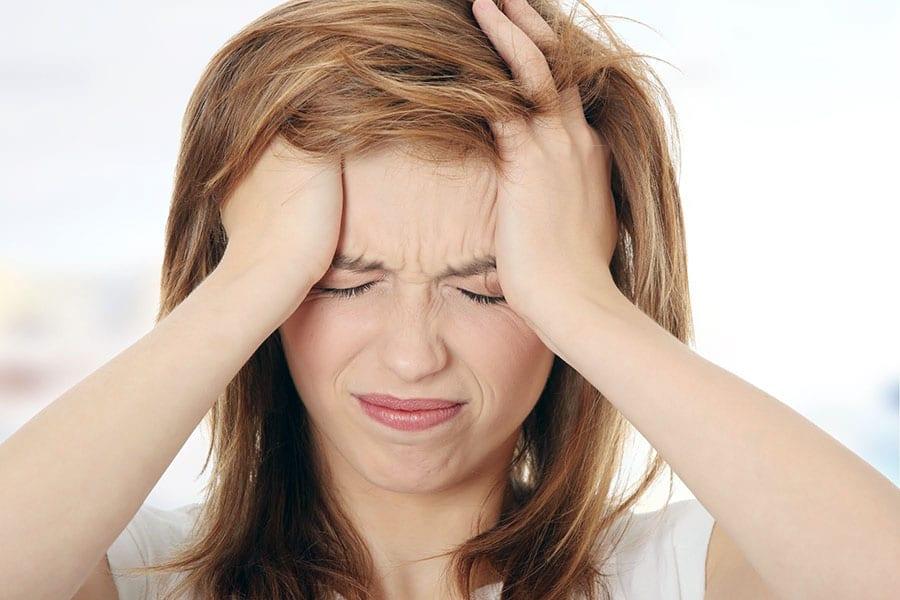 При каких заболеваниях болит голова в лобной области