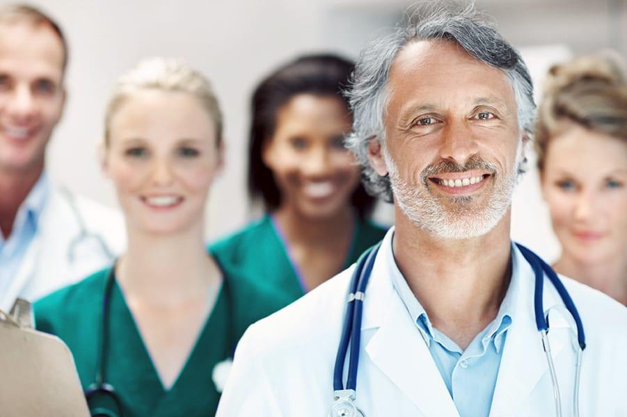 Лучших специалистов здравоохранения поощрили