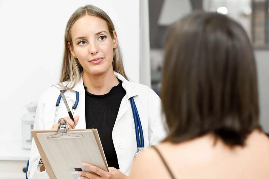 Смещение матки: причины, последствия, лечение