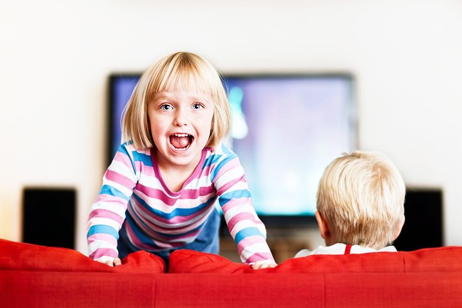 Госдума запретит рекламу лекарств и биодобавок  в детских передачах