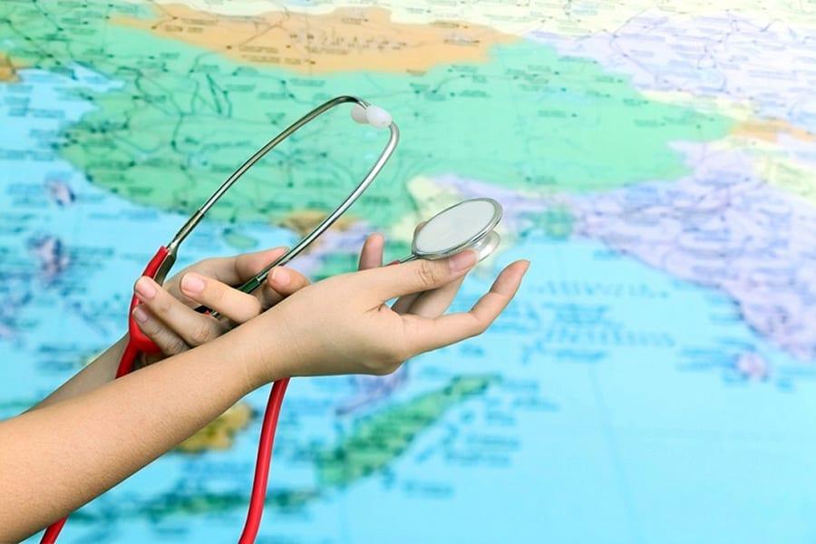 Иностранцев приглашают лечиться в Россию