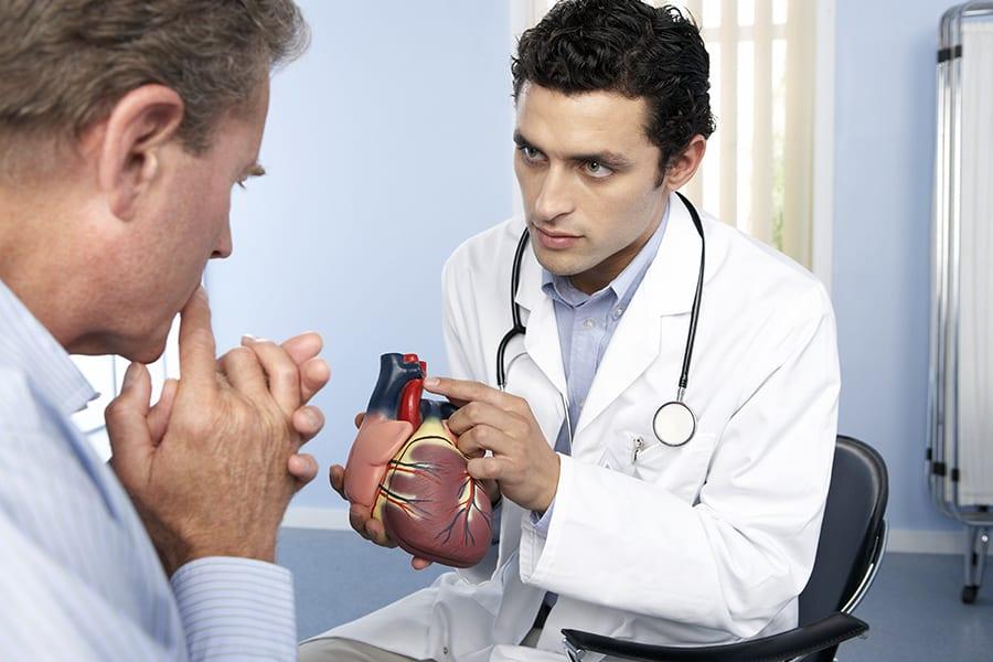 Патологии коронарных сосудов в 60% случаев будут лечить с помощью операций