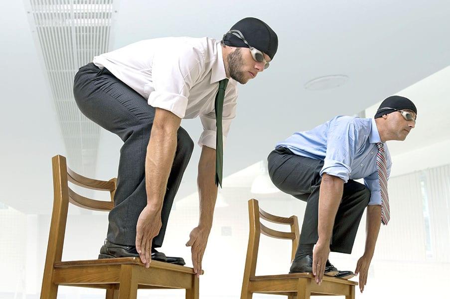 Скрытый фитнес на рабочем месте: легкие упражнения, которые никто не заметит