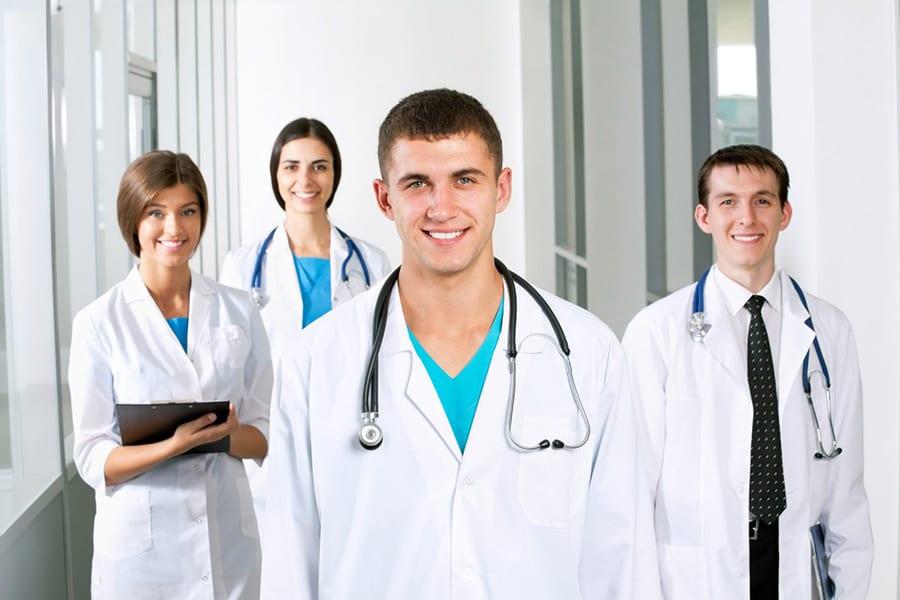 Выпускникам-медикам будет выгодно работать в Ленинградской области