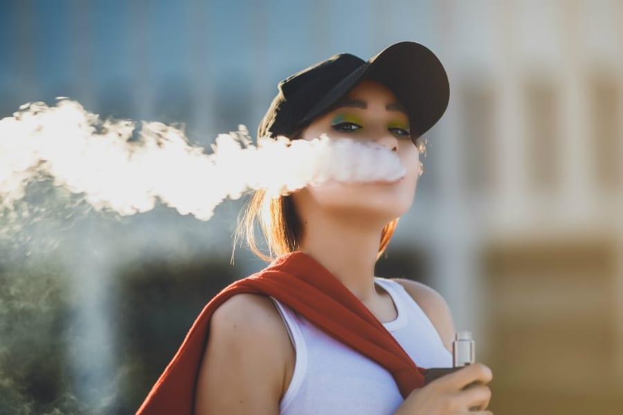Скандал в США: первая смерть от электронных сигарет