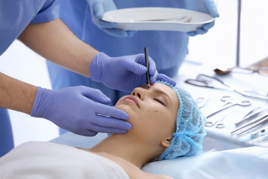 Будущие пластические хирурги будут учиться в ординатуре 5 лет