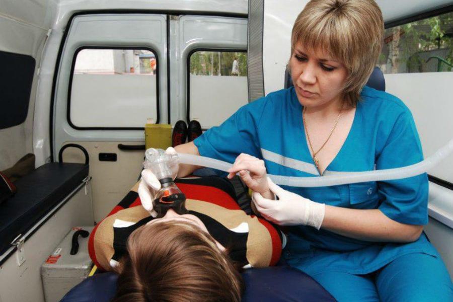 В автошколах нужно учить уступать дорогу скорой помощи и другим спецмашинам