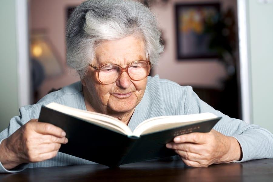 Для пожилых людей издадут Азбуку здоровья