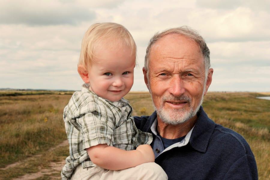 Почему позднее отцовство опасно для потомства