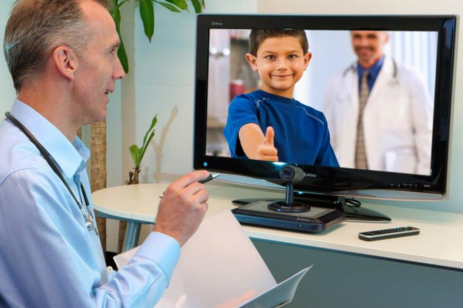 Внештатные специалисты Минздрава проведут прямые эфиры на телевидении