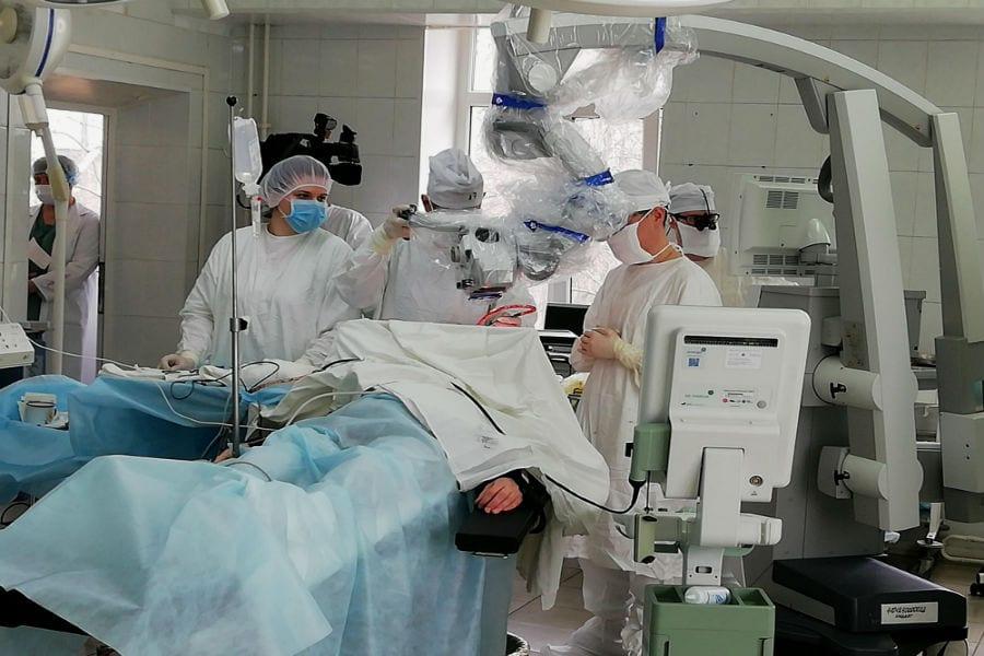 Врачи опять удивили: уникальная операция на мозге