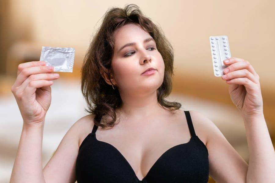 Женщины, рискующие заразиться ВИЧ, могут использовать любые контрацептивы
