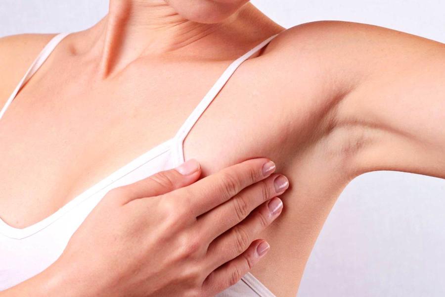 Импланты молочных желез приводят к двойному раку