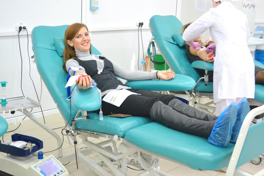 Безопасность переливания крови обеспечит мобильник