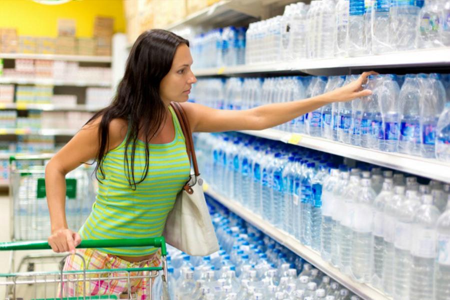Пластиковая посуда отравляет людей неизвестными веществами