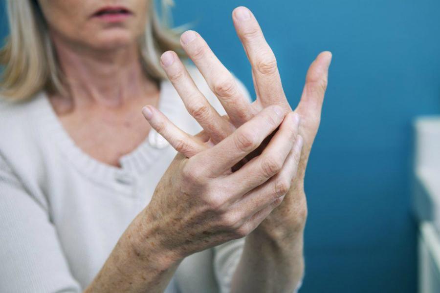 Феномен Рейно: почему белеют пальцы
