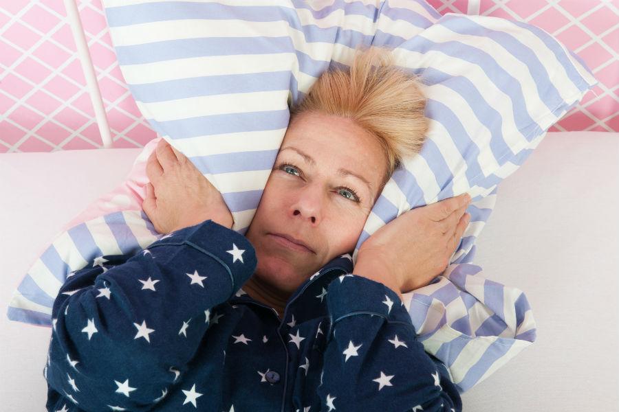 Недостаточность сна в постменопаузе приводит к остеопорозу