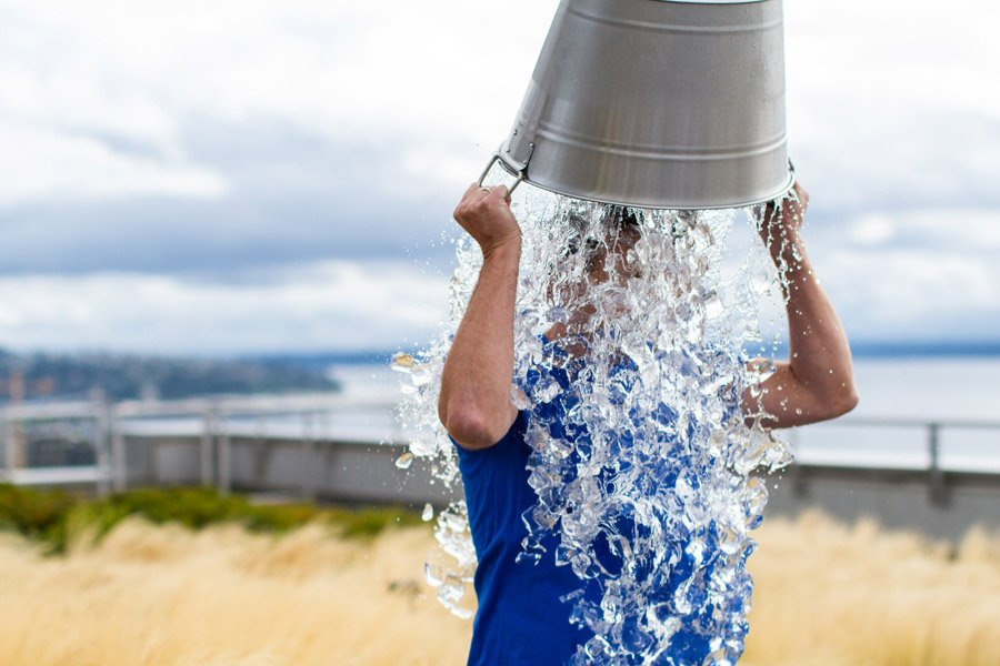 Вирус гриппа смывается водой