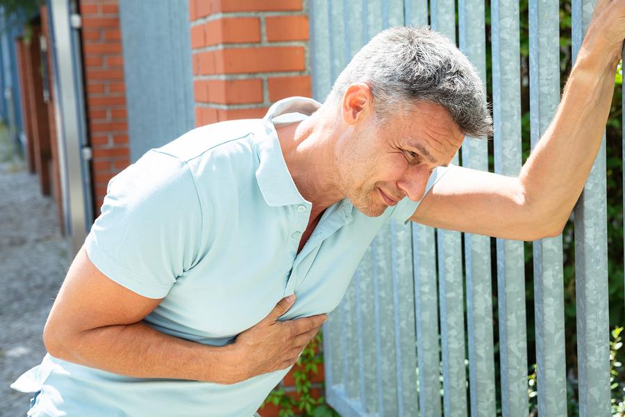 Мужчины, родившиеся у возрастных родителей, рискуют сердцем