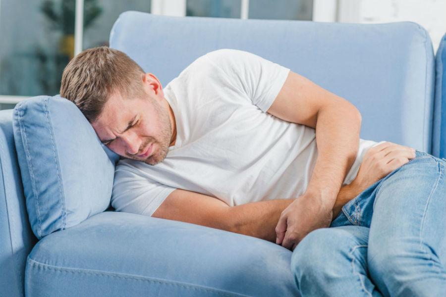 Травма яичка — удар, сбивающий мужчину с ног