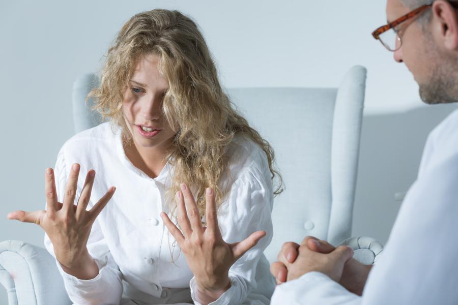 Женщины с синдромом поликистозных яичников подвержены нервно-психическим  нарушениям