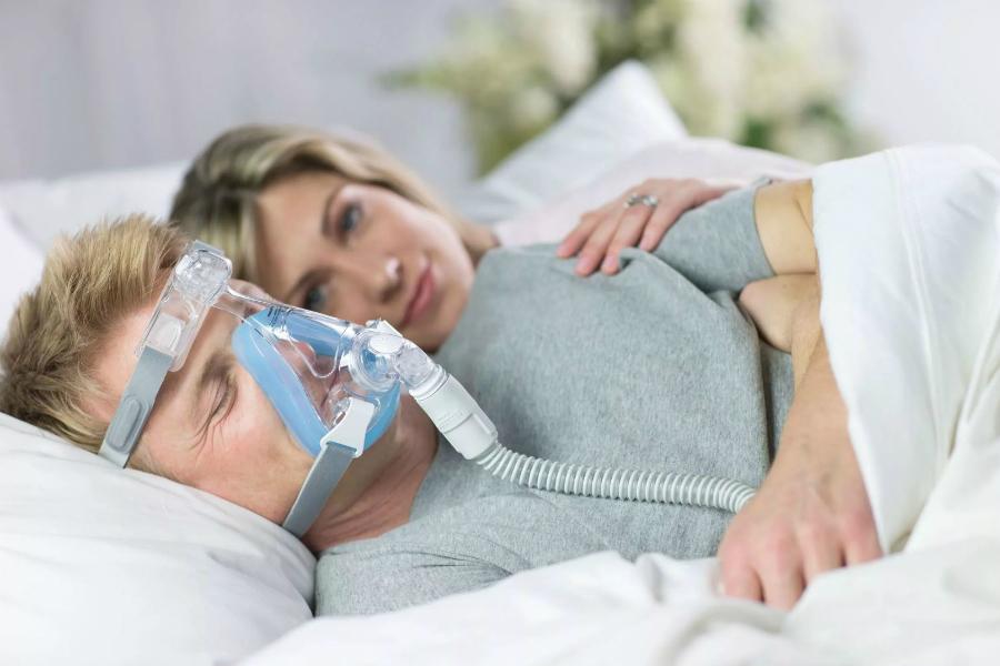 Нарушение дыхания во сне – апноэ увеличивает риск болезни Альцгеймера