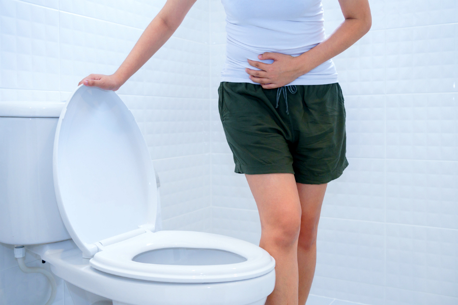 Сгустки крови в моче – симптом различных заболеваний у женщин и мужчин