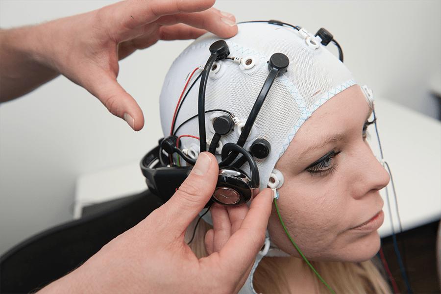 Ученые изобрели шлем, сканирующий весь мозг даже при движении