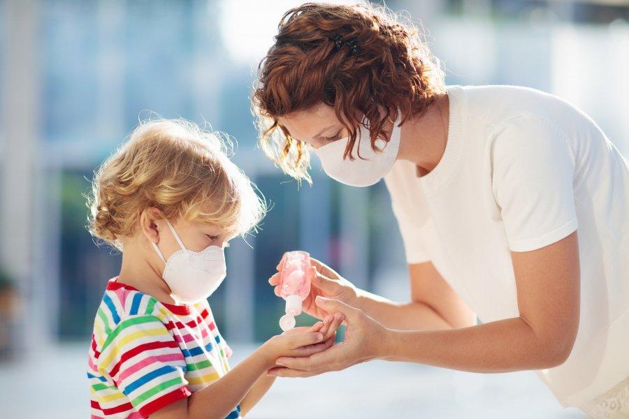 Защитите детей от коронавируса и других инфекций – приучите малышей мыть руки с мылом