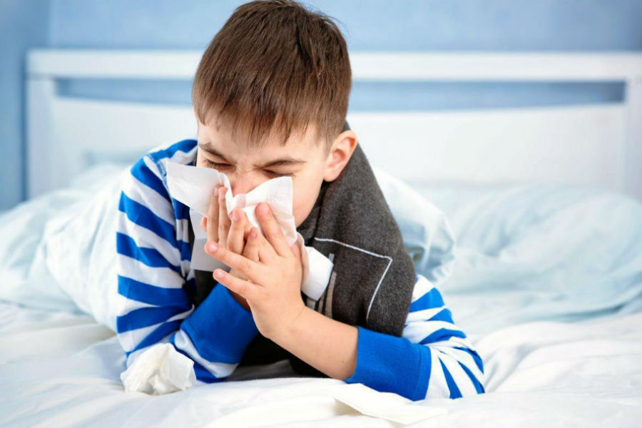 Симптомы и особенности протекания коронавируса у детей
