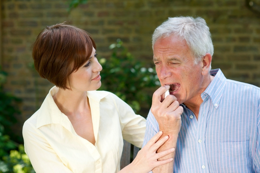 Острая боль в груди сердечного происхождения — ишемическая боль