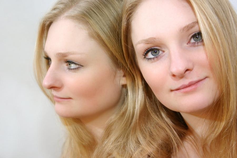 Двоение в глазах (диплопия): причины и лечение